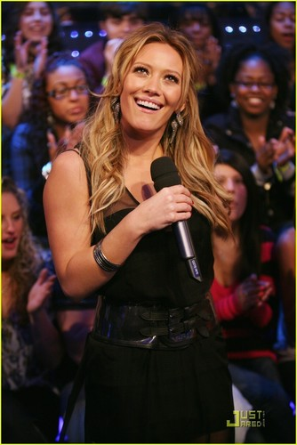 Hilary @ the TRL Finale