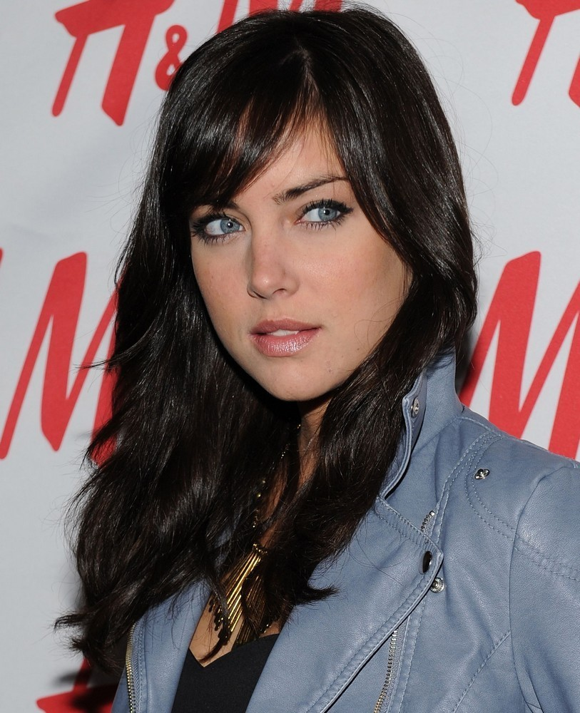 Jessica Stroup - Wallpaper Actress
