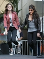 Kristen & Nikki at LA Hot Topic - twilight-series photo