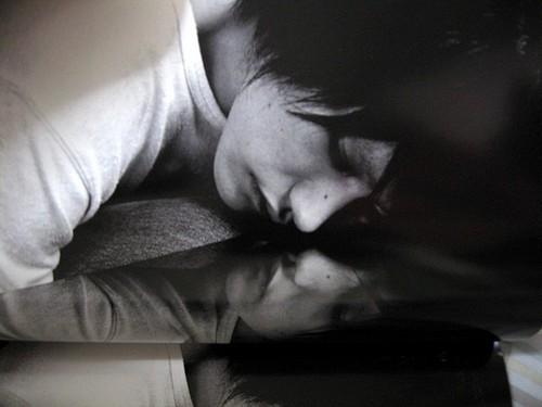 L(デスノート) IS SLEEPING! SHH!!