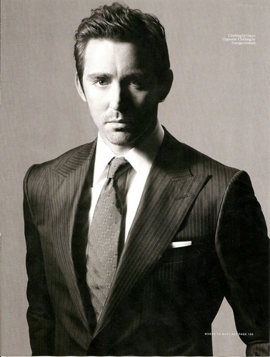 Lee Pace achtergrond containing a business suit, a suit, and a double breasted suit entitled Lee