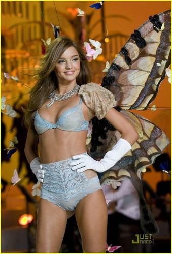 Miranda @ the Victoria's Secret Fashion Show