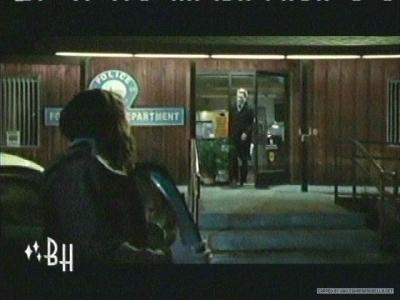 crepúsculo la película fondo de pantalla probably with a cena, comedor entitled Official Clip #5 - Police Station