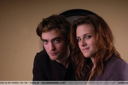 Press Conference - robert-pattinson-and-kristen-stewart Photo