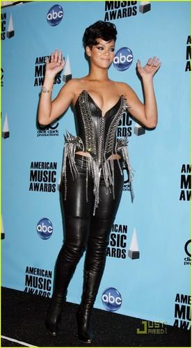 Rihanna @ AMA's