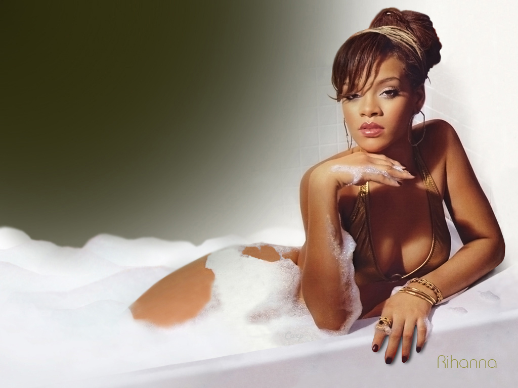 http://images2.fanpop.com/images/photos/2800000/Rihanna-rihanna-2832034-1024-768.jpg