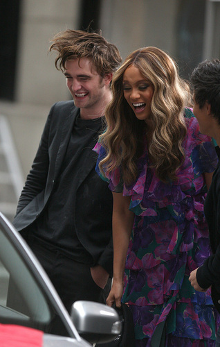Rob on the Tyra Banks 显示