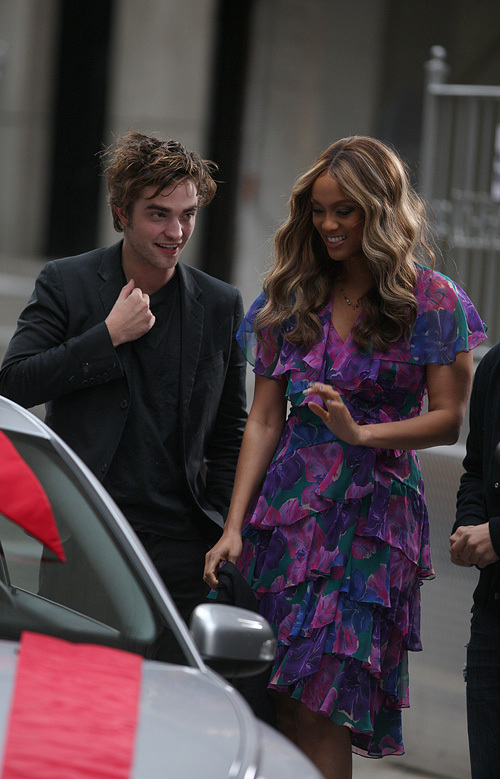 Rob on the Tyra Banks Zeigen
