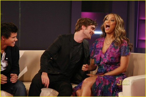 Robert Pattinson Bites Tyra's Neck