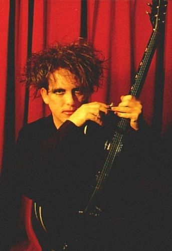 Robert Smith wallpaper possibly containing a concert and a guitarist called Robert Smith