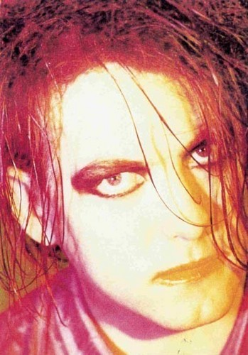 Robert Smith wallpaper possibly with a portrait titled Robert