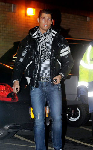 Ronaldo arriving at Old Trafford