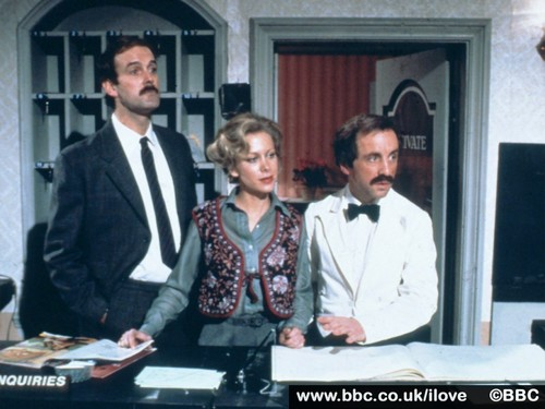 fawlty2 - fawlty-towers Wallpaper