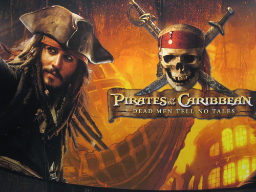 pirates of the caribbean jack sparrow - pirates-of-the-caribbean Wallpaper