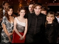 twilight premier - nikki-reed-and-kristen-stewart photo