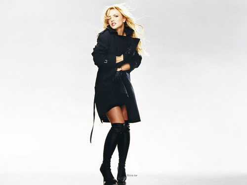 Britney Spears achtergrond containing a trench coat, a hip boot, and a erwt jas entitled Brit