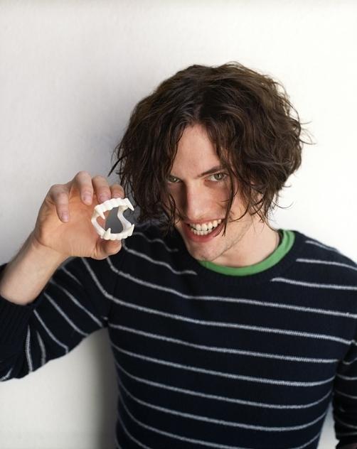 http://images2.fanpop.com/images/photos/2900000/Jackson-photoshoots-jackson-rathbone-2907399-502-632.jpg