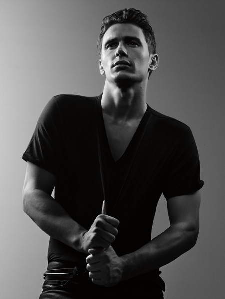 http://images2.fanpop.com/images/photos/2900000/James-Franco-james-franco-2978980-450-599.jpg
