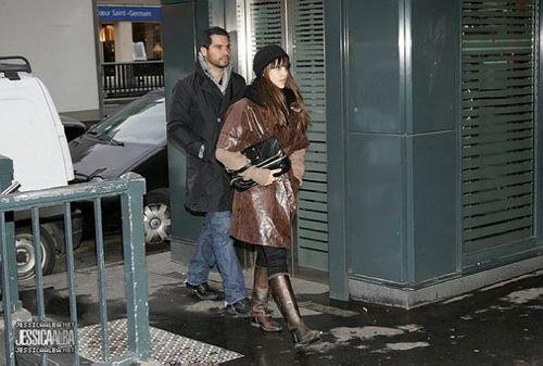 Jessica Shopping in Paris