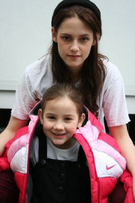 Kristen w/ Catherine [young Bella in the movie]