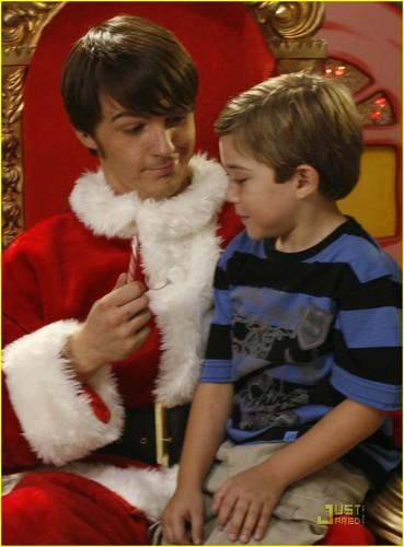 Merry Christmas ڈریک & Josh
