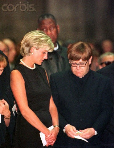 Prinzessin Diana Hintergrund possibly with a business suit titled PRINCESS DIANA