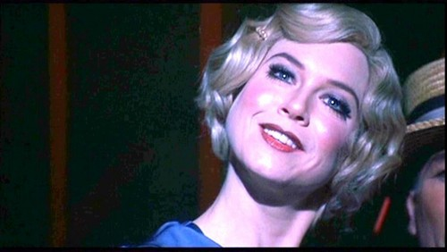 Chicago the Movie fondo de pantalla probably containing a portrait entitled Roxie Hart