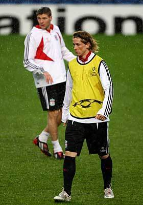 Steven Gerrard And Fernando Torres 바탕화면 containing a 풀백 titled The Magic Duo