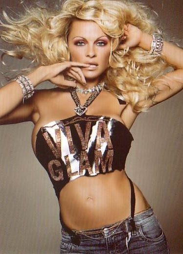 Viva Glam V - Pamela Anderson - mac photo