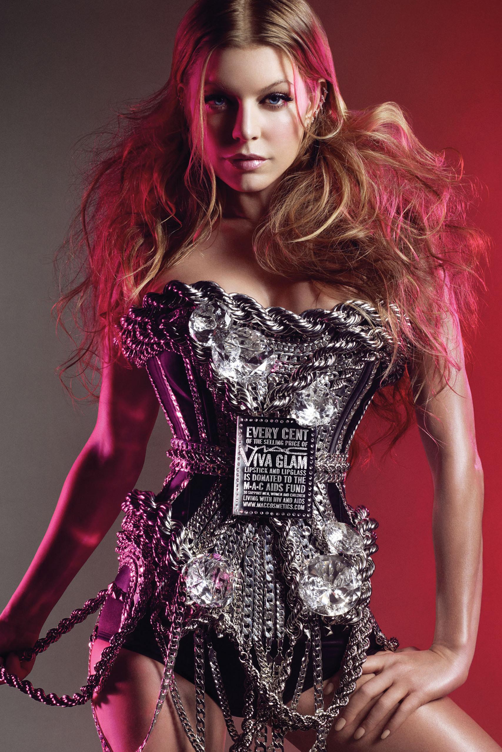Viva Glam VI - Fergie - mac photo