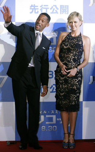 Will Smith and Charlize Theron at the Japan Hancock Permiere
