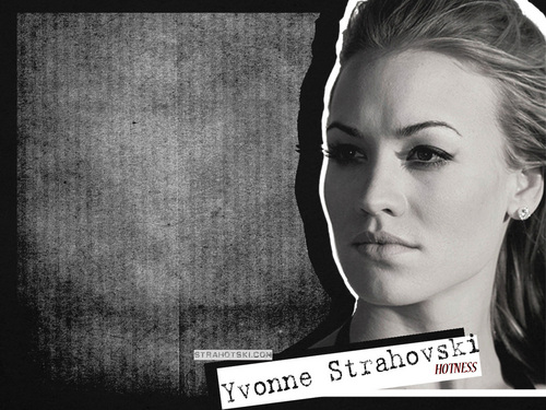 Yvonne Strahovski Hintergrund possibly containing a sign and a newspaper titled Yvonne
