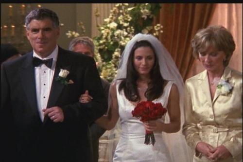 Friends images tow monica and chandler 39 s wedding hd for Jill goodacre wedding dress