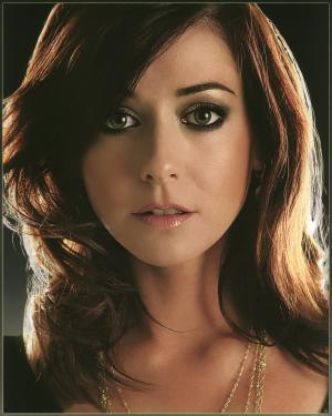 Buffy the Vampire Slayer wallpaper containing a portrait and attractiveness titled Alyson Hannigan