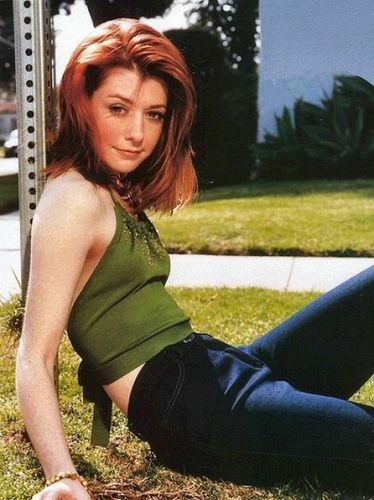 Buffy, la cazavampiros fondo de pantalla possibly containing a leotard entitled Alyson Hannigan