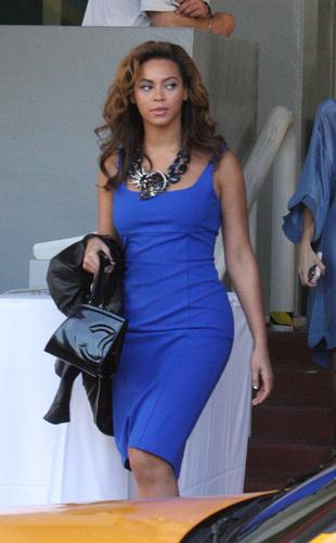Beyoncé at the Contemporary Art Fair in Miami