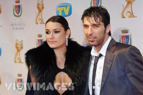 Buffon's wife - wags Photo