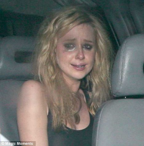 Diana Vickers দেওয়ালপত্র with an automobile titled Crying