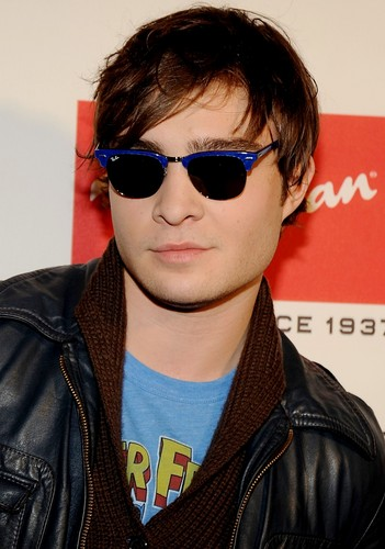 Ed Westwick wallpaper containing sunglasses titled Ed Westwick -12.09.08 Ray-Ban Remasters at Bowery Ballroom