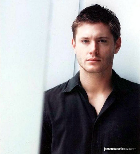 Jensen Ackles Hintergrund probably with a portrait called Jensen's photoshoot