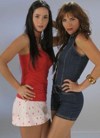 http://images2.fanpop.com/images/photos/3000000/Las-Chicas-del-Barrio-sin-senos-no-hay-paraiso-3036366-327-450.jpg