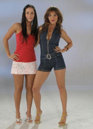 http://images2.fanpop.com/images/photos/3000000/Las-Chicas-del-Barrio-sin-senos-no-hay-paraiso-3036371-327-450.jpg