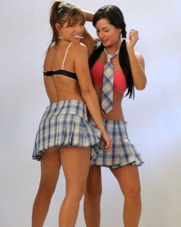 http://images2.fanpop.com/images/photos/3000000/Las-Chicas-del-Barrio-sin-senos-no-hay-paraiso-3036394-360-450.jpg