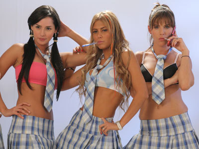 http://images2.fanpop.com/images/photos/3000000/Las-Chicas-del-Barrio-sin-senos-no-hay-paraiso-3036399-400-300.jpg