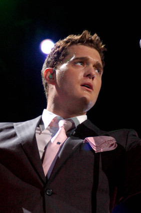 Michael Bublé Hintergrund containing a business suit titled Michael Buble
