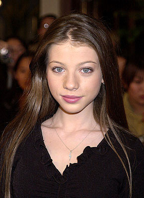 バフィー 〜恋する十字架〜 壁紙 containing a portrait entitled Michelle Trachtenberg