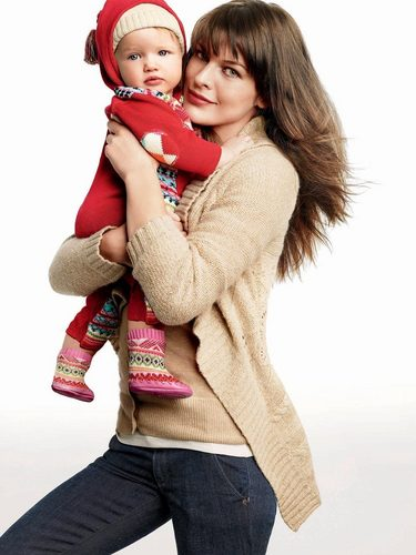Milla and Ever in Gap Ad