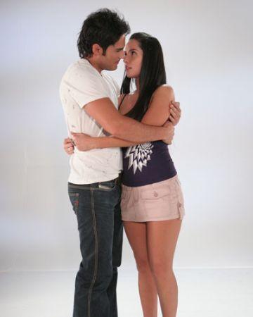 http://images2.fanpop.com/images/photos/3000000/Sin-Senos-No-Hay-Paraiso-Parejas-sin-senos-no-hay-paraiso-3035826-360-450.jpg