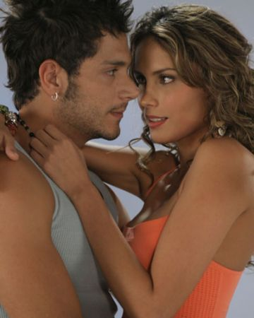 http://images2.fanpop.com/images/photos/3000000/Sin-Senos-No-Hay-Paraiso-Parejas-sin-senos-no-hay-paraiso-3035838-360-450.jpg