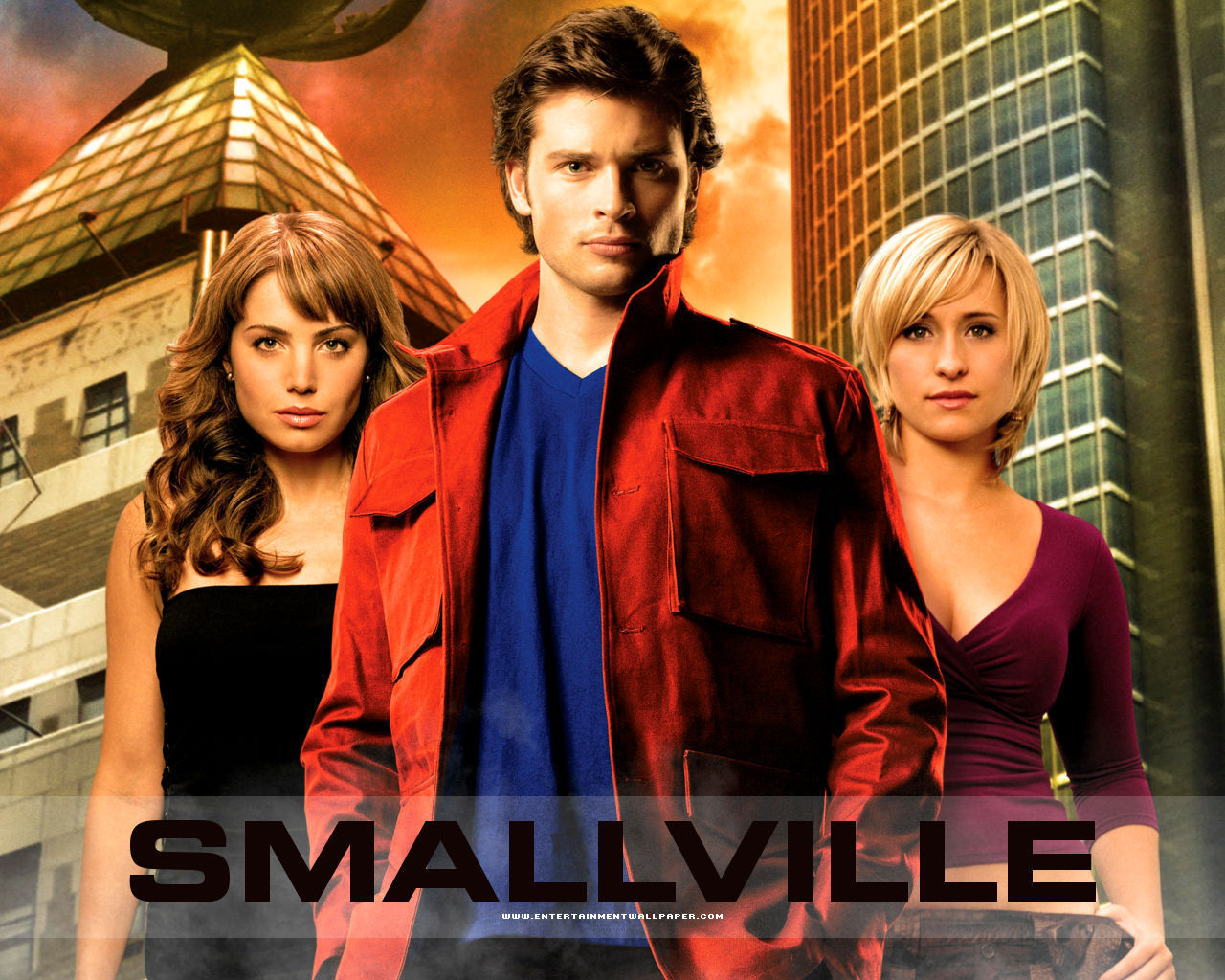 "SNEAK PEEK: The CW Reveals ""Smallville""- Season 10  |Smallville"